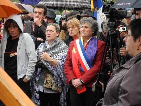 Lors de l'inauguration de la plaque de commémoration déposée à la gare de Borredon en 2012.